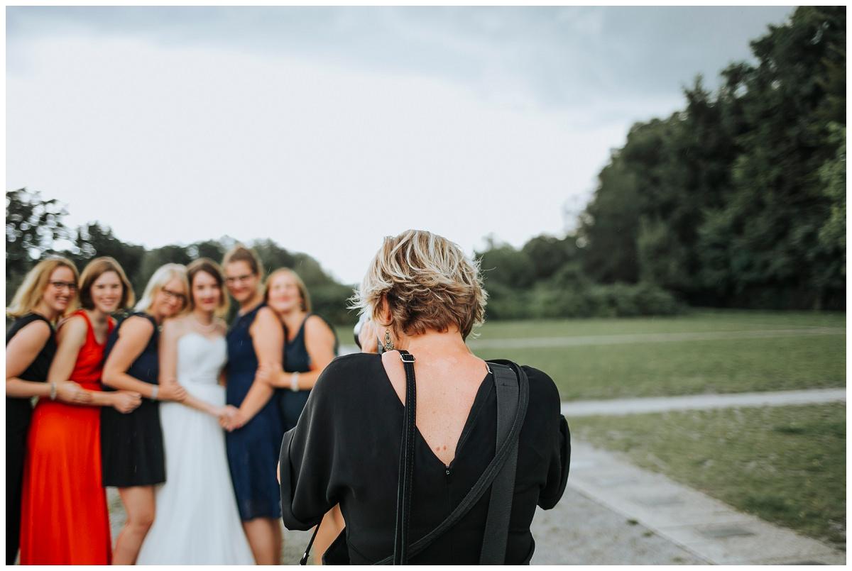 Hochzeitsfotografin Stephanie Kunde fotografiert Braut und Freundinnen