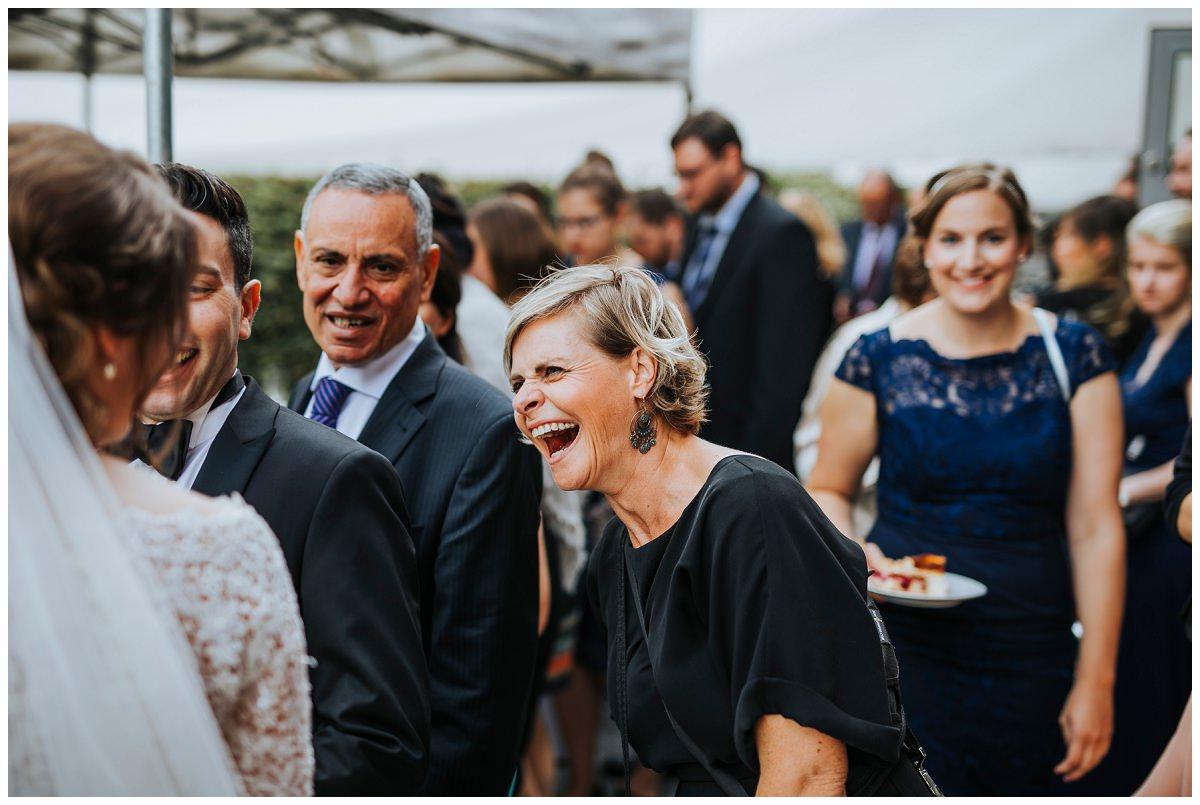 Hochzeitsfotografin Stephanie Kunde hat Spaß beim Fotografieren