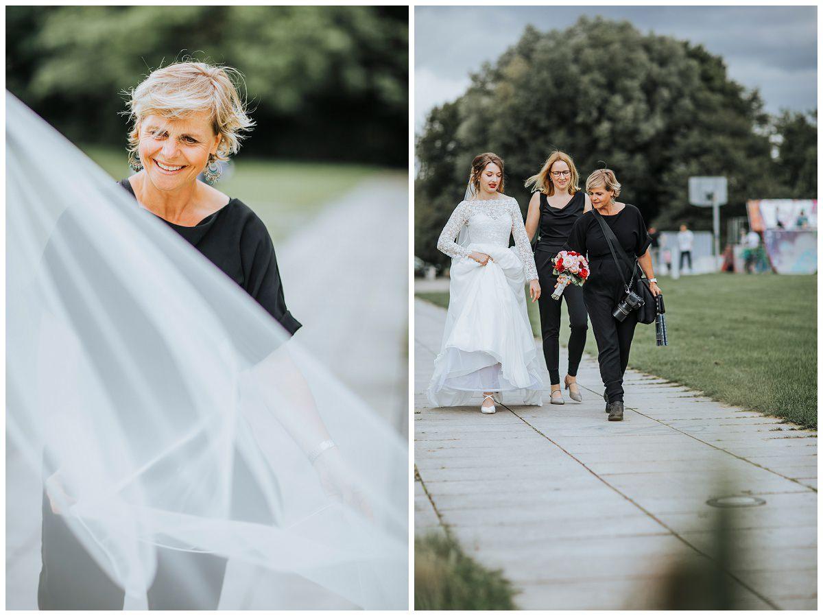 Hochzeitsfotografin Stephanie Kunde bei der Arbeit